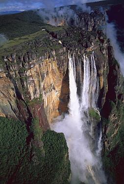 Angel Falls on the Araguaia River world's tallest waterfall at 900 feet, Canaima National Park, Venezuela  -  Patricio Robles Gil/ Sierra Madr
