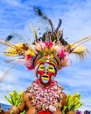 Amon tribe woman sing-sing performing, Mount Hagen Show, Western Highlands, Papua New Guinea