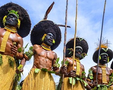 Lyain tribe men performing, Enga Show, Wabag, Western Highlands, Papua New Guinea