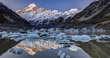 Icebergs in winter in lake, Hooker Glacier, Mount Cook National Park, New Zealand
