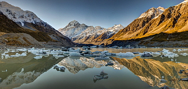 Icebergs in winter in lake, Hooker Glacier, Mount Cook, Mount Cook National Park, New Zealand