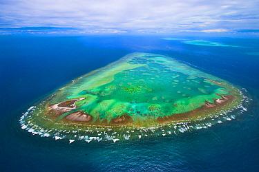 Tropical island, One Tree Island, Great Barrier Reef, Queensland, Australia