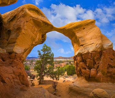 Metate Arch, Devil's Garden, Utah