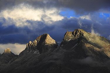 Yanapaccha Glacier and Chopicalqui Mountain, Cordillera Blanca Mountain Range, Andes, Peru  -  Cyril Ruoso