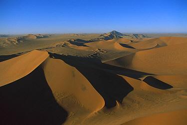 Sossusvlei Dunes, Namib-Naukluft National Park, Namibia  -  Richard Du Toit