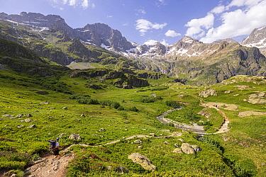 Gioberney Glacier Circus, hiking to Lake Lauzon, La Chapelle-en-Valgaudemar, Ecrins National Park, Hautes-Alpes, France