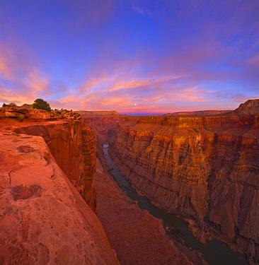 Colorado River and the full moon, Grand Canyon, Grand Canyon National Park, Arizona