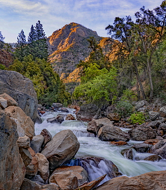 River and mountains, South Fork Kings River, Kings Canyon National Park, Sierra Nevada, California