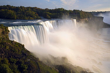 The American Falls at Niagara Falls, New York  -  Ingo Arndt