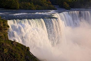 The American Falls at Niagara Falls, New York  -  Ingo Arndt