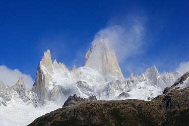 Mount Fitzroy massif, border of Argentina and Chile  -  Theo Allofs