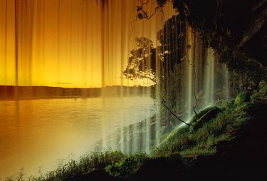 Salto Hacha Waterfall, Canaima National Park, Venezuela  -  Thomas Marent