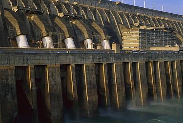 Itaipu Dam, the largest in the world, Parana River near Iguacu Waterfalls, Brazil  -  Luciano Candisani