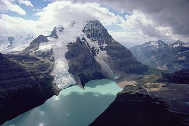 Mount Robson and Berg Lake, Mount Robson Provincial Park, near Jasper National Park, Canadian Rocky Mountains, British Columbia, Canada  -  Jim Brandenburg