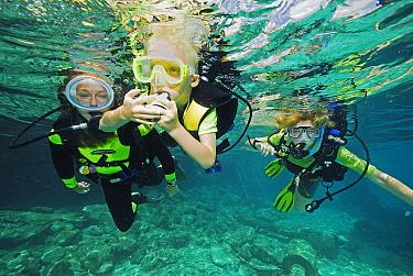 Childen in PADI scuba diving class, Bonaire, Netherlands Antilles  -  Hans Leijnse/ NiS