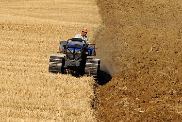 Farmer ploughing fields, Montefrio, Granada, Spain  -  Simon Littlejohn/ NiS