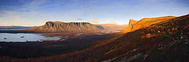 Skierfe Mountain towering over the Laitaure delta, Sarek National Park, Sarek National Park, Laponia, Sweden  -  Sven Zacek/ NiS