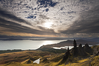 Cloudy sky over lakes and rock formation, Old Man of Storr, Isle of Skye, Scotland  -  Bart Heirweg/ Buiten-beeld