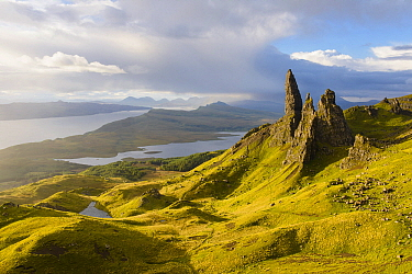 Rock formation, Old Man of Storr, Isle of Skye, Scotland, United Kingdom  -  Bart Heirweg/ Buiten-beeld