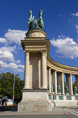 The Heroes? square is one of the most visited sights of the Hungarian capital, it is situated at in front of the City Park, at the end of the Andr?ssy Ave  -  David Hosking/ FLPA