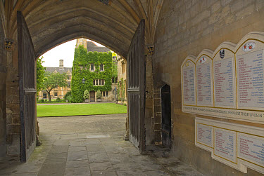 WWII memorial by doorway into quadrangle, Magdalen College, Oxford University, Oxford, Oxfordshire, England, june  -  Colin Marshall/ FLPA