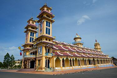 Cao Dai temple, Tay Ninh Holy See, Tay Ninh, Tay Ninh Province, Vietnam, December  -  Colin Marshall/ FLPA