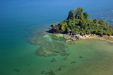 Aerial view of coast with rocky promontary at Nosy Be, North Madagascar  -  Inaki Relanzon/ npl