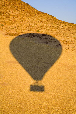 The shadow of a hot air balloon during a flight over the Sossuvlei sand dunes, Namibia  -  Sue Flood/ npl