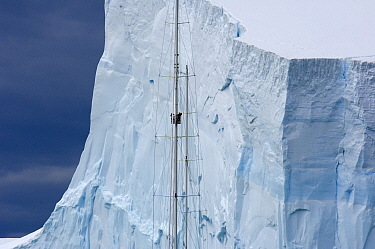 Viewing a tabular iceberg from the crow's nest of SY Adele, 180 foot Hoek Design, in Bransfield Strait, 17 January 2007  -  Rick Tomlinson/ npl