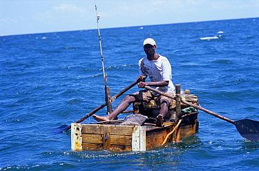 Fisherman fishing by hand line for squid, Vilankulo, Mozambique, November 2008  -  Jeff Rotman/ npl