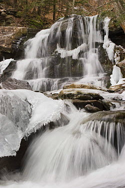 Bastion Falls, partly frozen, Catskill State Park, New York State, USA  -  Michael Hutchinson/ npl