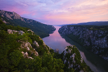 River Danube flowing through the Iron Gate Gorge, on the border between Romania and Serbia, Djerdap National Park, Serbia, June 2009  -  WWE/ Smit/ npl
