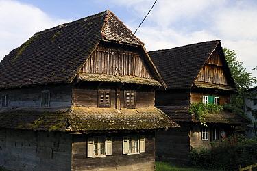 Traditional houses made from local Slavonian oak wood, Krapje village, Lonjsko Polje Nature Park, Sisack-Moslavina county, Slavonia region, Posavina area, Croatia, June 2009  -  WWE/ della Ferrera/ npl