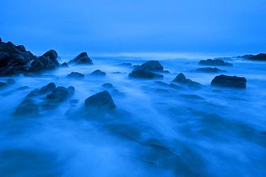 Atlantic surging around rocks in Saligo Bay, Islay, Scotland, January 2009  -  WWE/ Benvie/ npl