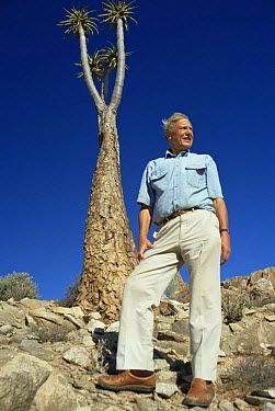 David Attenborough beside to Giant aloe (Aloe pillansii) South Africa, on location for BBC series Private Life of Plants, 1993  -  Neil Nightingale/ npl