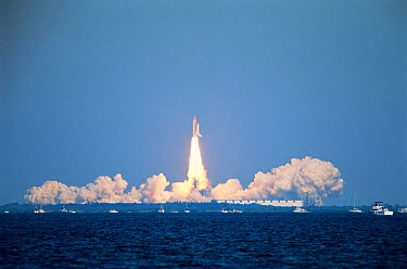 Launch of Discovery space shuttle, Cape Canavarel, Florida, USA 20 October 1998  -  Hanne & Jens Eriksen/ npl
