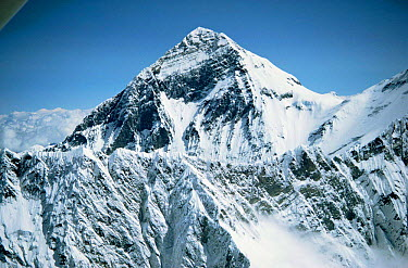 Aerial view of Mt Everest (from Nepalese side) with Lhotse ridge in fore ground, Himalayas, Nepal  -  Leo & Mandy Dickinson/ npl
