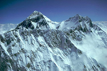 Aerial view of Mount Everest, Nuptse ridge in foreground, Himalayas, Nepal  -  Leo & Mandy Dickinson/ npl