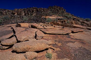 Richtenveld NP granite plates of rock South Africa  -  Claudio Velasquez/ npl