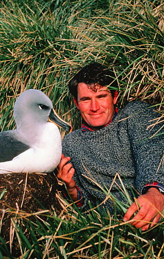 Alastair Fothergill and Grey headed albatross (Thalassarche chrysostoma) on location for BBC Life in the Freezer, 1993  -  Ben Osborne/ npl