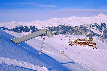 Device for setting off avalanches, Alps, Merribel ski resort, Trois vallees, France  -  Jean E. Roche/ npl