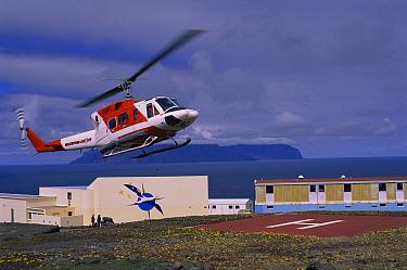 French base Baie de Marin Ile de la Possession, Crozet Island Southern Indian Ocean  -  Pete Oxford/ npl