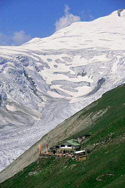 Hoffman's Hut resort, Carinthia, European Alps, Hohe Tauern NP, Austria 1996  -  Christoph Becker/ npl