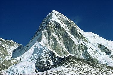 Pumori Mountain in the Himalayas, Nepal  -  Leo & Mandy Dickinson/ npl