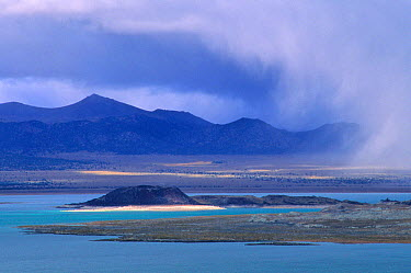 An autumn storm sweeps across the Mono Basin from the east slope of the Sierra Nevada Mountains Mono Lake, Mono Basin National Forest Scenic Area, October 1997  -  Jenny E. Ross/ npl