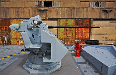 30MM gun on board Hunt-class mine countermeasure vessel HMS Hurworth Huskisson Dock, River Mersey, Liverpool, England, May 2011 For editorial use only  -  Graham Brazendale/ npl