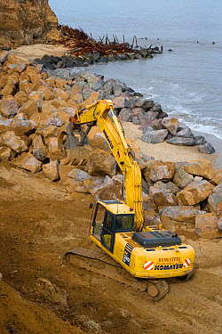 Building sea defences at Happisburgh, Norfolk, UK, March March 2007  -  Ernie Janes/ npl