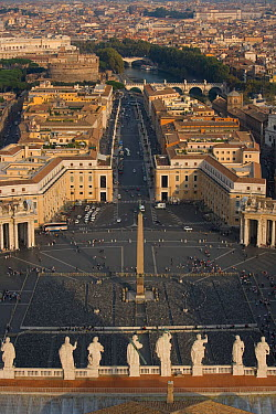 Looking down on St Peters Piazza from the dome of St Peter's, Vatican, Rome, Italy, October 2008  -  Ernie Janes/ npl