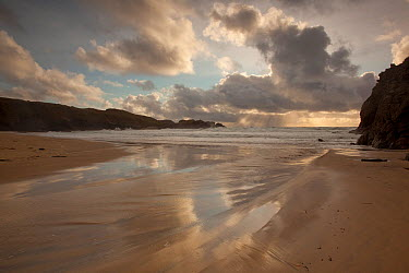 View looking out to sea from the beach, with shafts of sunlight through clouds, Traigh Mangerstadh, Isle of Lewis, Outer Hebrides, Scotland, UK, October 2010  -  Peter Cairns/ 2020V/ npl