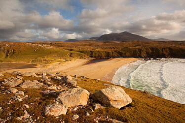 View of Traigh Mangerstadh from a clifftop overlooking the bay, with rocks in the foreground, Isle of Lewis, Outer Hebrides, Scotland, UK, October 2010  -  Peter Cairns/ 2020V/ npl